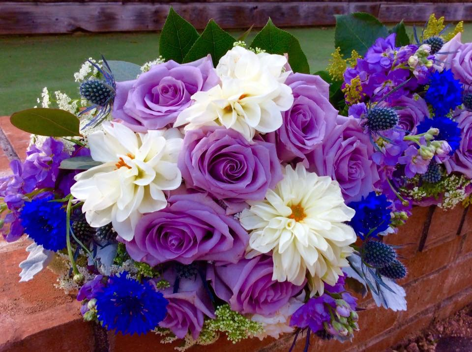Trendy ideas for your spring wedding bouquet texas blooms flowers spring wedding bouquet mightylinksfo